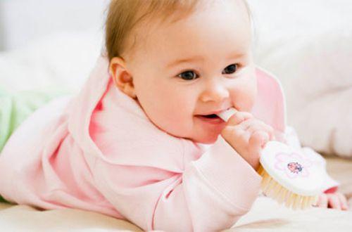 Làm gì khi răng sữa bị sâu