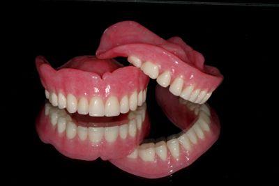 Làm răng giả tháo lắp