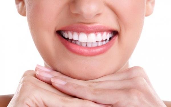 Làm răng giả bao nhiêu tiền?