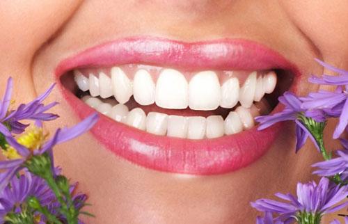 Tẩy trắng răng cho răng sâu có được không ?