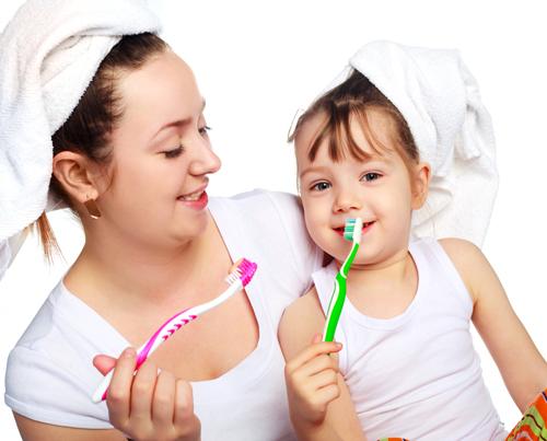 Thời điểm mọc và thay răng ở trẻ nhỏ.